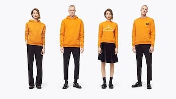 Holzweiler, modetøj til kvinder og piger, Hang on hoodies, t-shirts