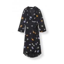 ganni-dainty-georgette-kjoler-sort-f2603-1