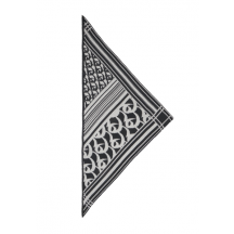 lala-berlin-triangle-monogram-goober-torklaede-9999-TR-1004