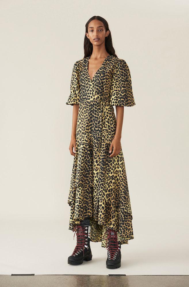 c0eaf1ea Ganni, Printed Cotton Slå-om Kjole, Gul/Sort Leopard. Smuk slå-om ...